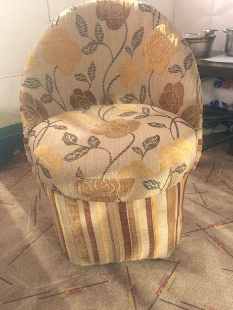 Fotel z miejscem na przechowanie