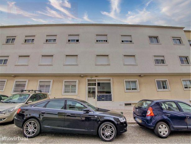 Apartamento T3, na Encosta do Sol, Brandoa, Amadora, Port...