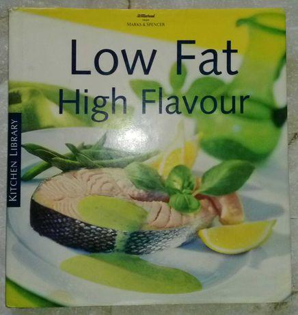 Книжка глянцева рецептів на англійській мові.