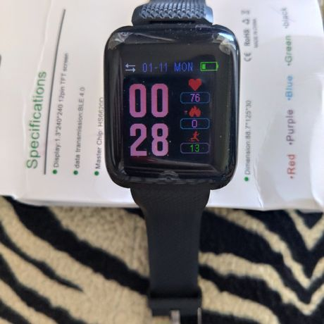 Продам новые смарт часы.