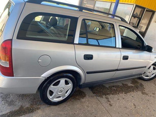 Carro Opel Astra