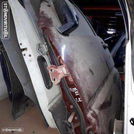 Porta Frente Esquerda  Nissan Terrano II 2