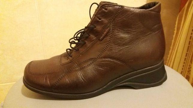 Продам женские ботиночки 35 размер