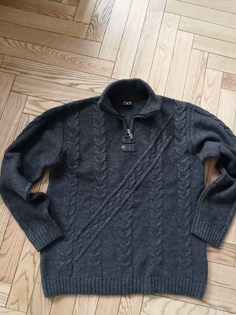 Ciepły sweter z wysokim kołnierzem rozmiar XL stan bardzo dobry