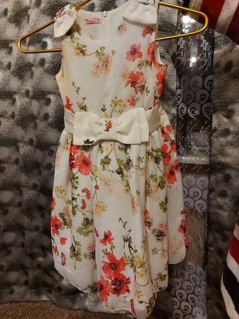 Продам нарядное,шифоновое платье, на девочку 5-6 лет рост 122см.