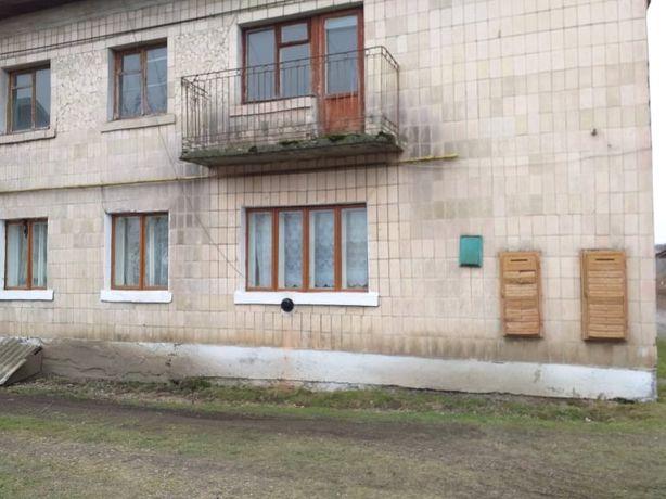 Продається 2 квартири в СМТ Більшівці,площею 97кв.м Ціна договірна !
