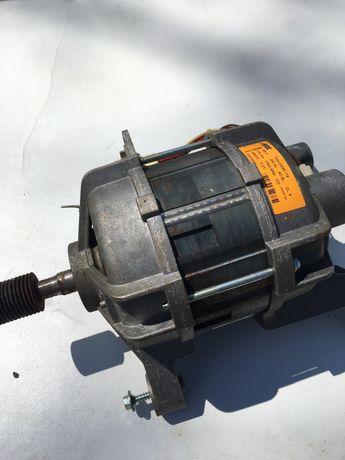 Двигатель для с/м AEG