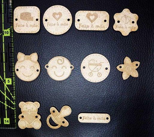 Etiquetas/botões artesanais