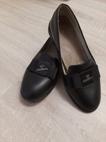 Туфлі дитячі 33 розмір.