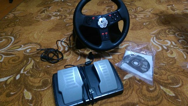 Игровое рулевое колесо.
