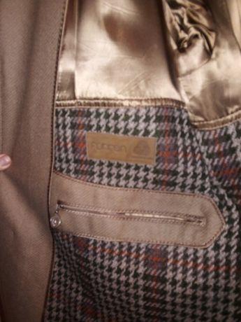 Деисезонное мужское пальто