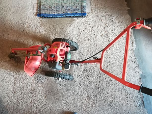 Roçadora / máquina de cortar erva Mader 52cc
