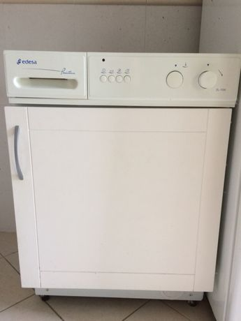 Máquina de Lavar Roupa de Encastrar Edesa Práctica 2L-104I