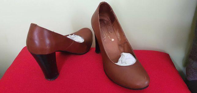 Туфлі на підборах р.36