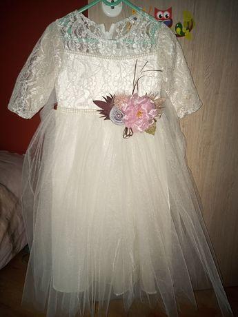 Sukieneczka rozmiar 134