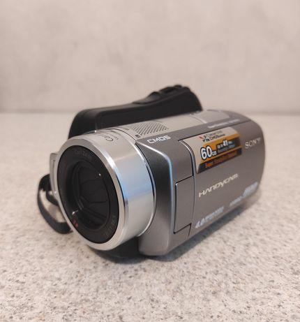 Цифровая видеокамера Sony Handycam DCR-SR220E