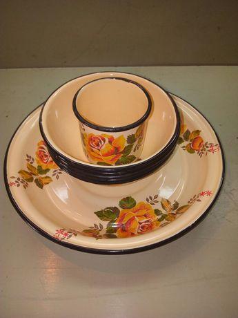 Продам набор эмалированной посуды