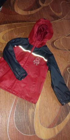 Курточка не- промокашка мальчику или девочке на 6-7 лет