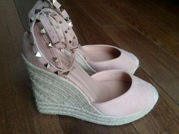 Buty na koturnie, sandały, rozmiar 40