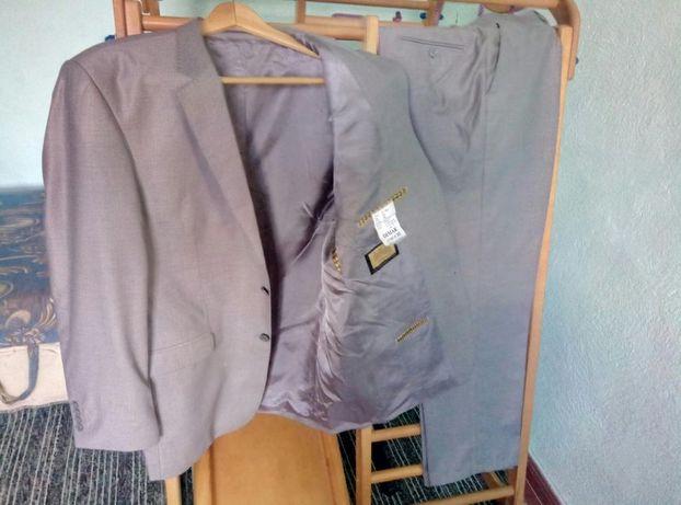 продам мужской костюм 56р