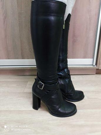 Зимние тёплые кожаные сапоги на каблуке Atomio Lardini