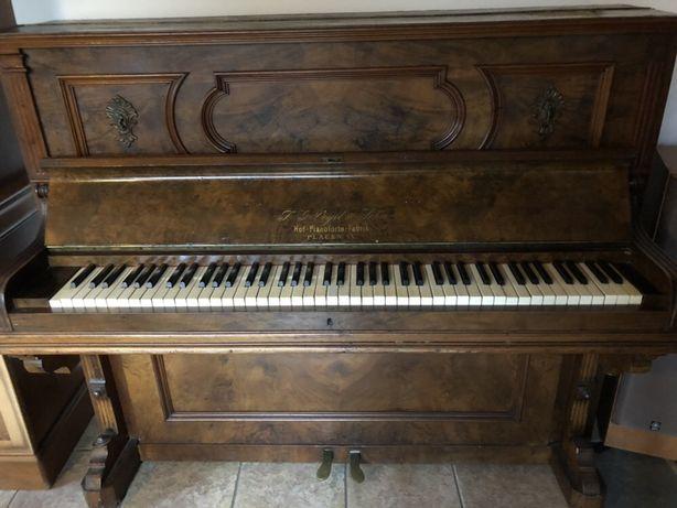 Antyczne pianino