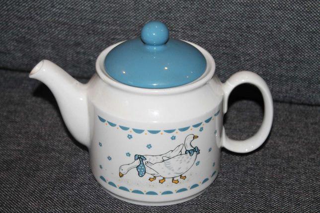 Angielski czajnik z gąskami