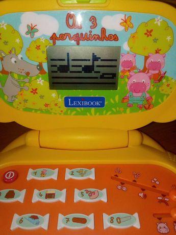 Computador brincar bebé e criança
