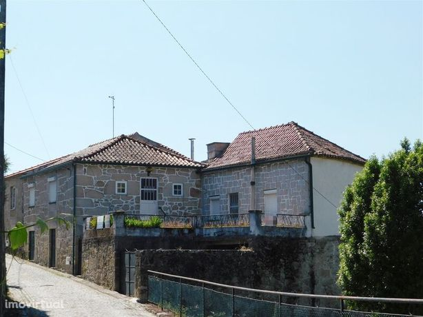 Moradia V3 Santa Marinha Seia