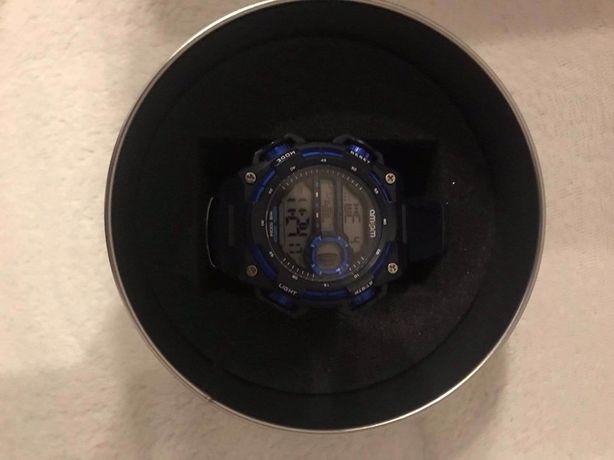 Nowy zegarek AM:PM