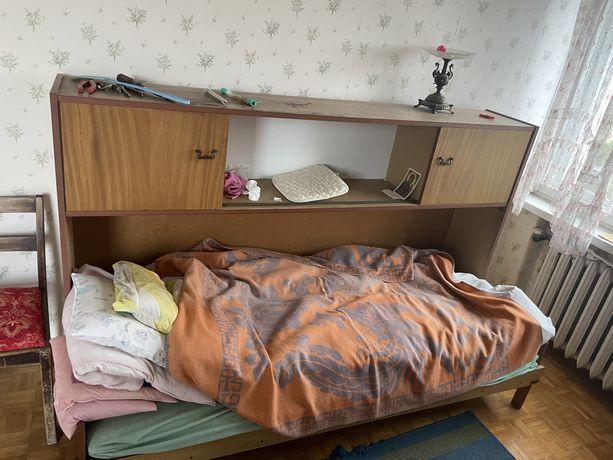 Łóżko z szafka