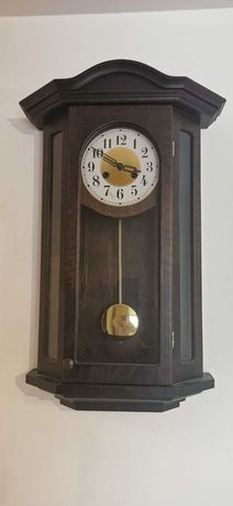 Zegar ścienny, nakręcany, bijący - za merci ;) lub inne czekoladki