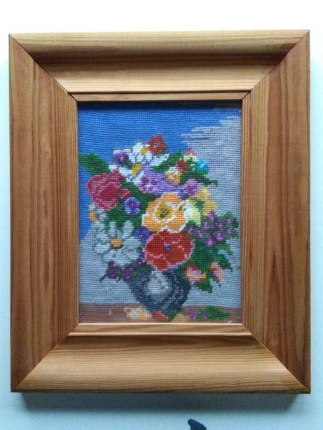 Obraz ręcznie haftowany w ramce drewnianej