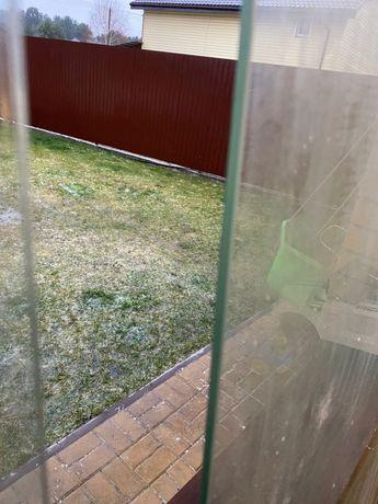 Дверь стеклянная для душевой