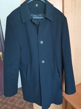Мужское зимнее  классическое пальто