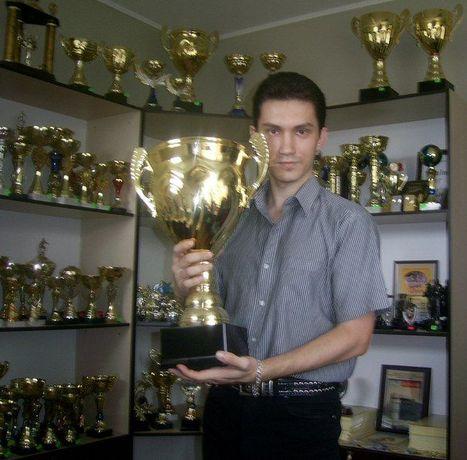 Наградная атрибутика: кубки, спортивные медали, награды, дипломы...