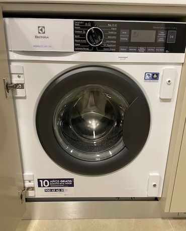 Maquina Lavar Roupa de encastrar: Electrolux (nova)