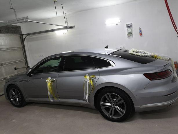 Dekoracja ślubna na auto