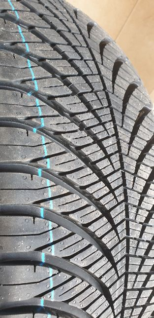 Opona 235/50R18 Goodyear 101V Vector 4Seasons Wielosezon Gat1 4X