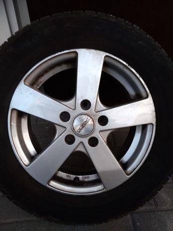 Alu felgi Dezent z oponami Pirelli 195/65/15 z 2015r VW Caddy
