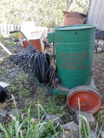 Садовый электрический опрыскиватель