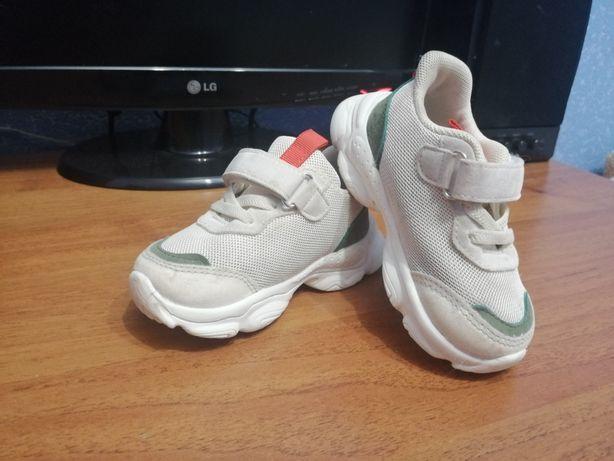Кросівки, кроссовки