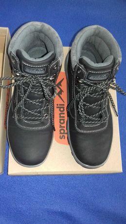 Buty zimowe chłopięce trzewiki Sprandi (CCC) nowe czarne rozm. 39