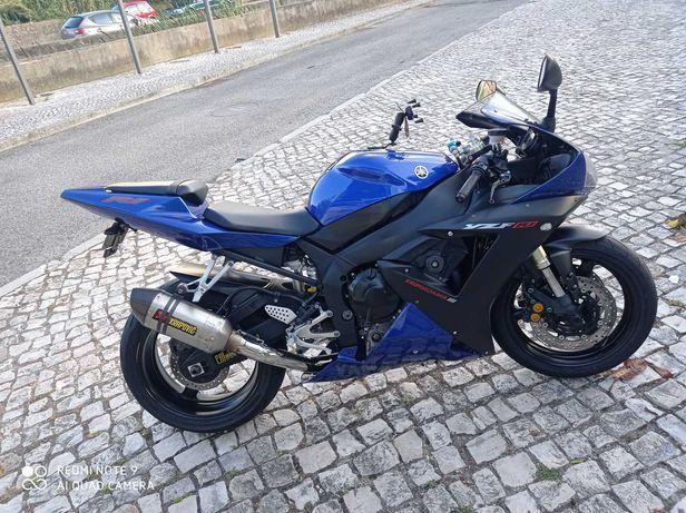 Motocicleta como nova R1