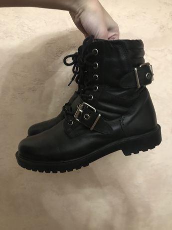 Актуальные ботинки шнуровка сапоги кожа шкіра