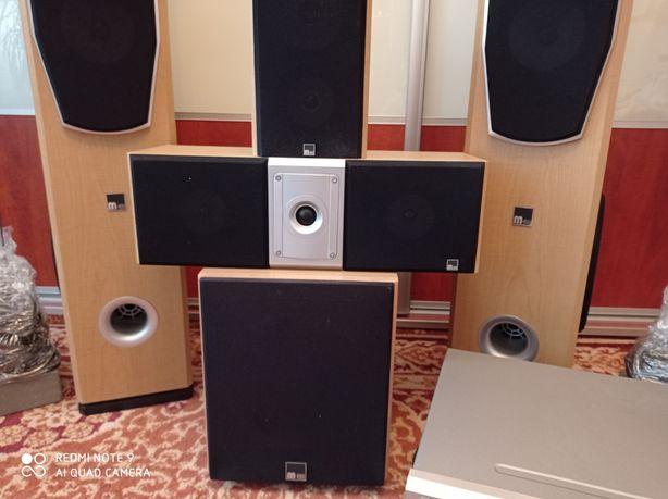 Amplituner Onkyo +zestaw głośników M-Audio