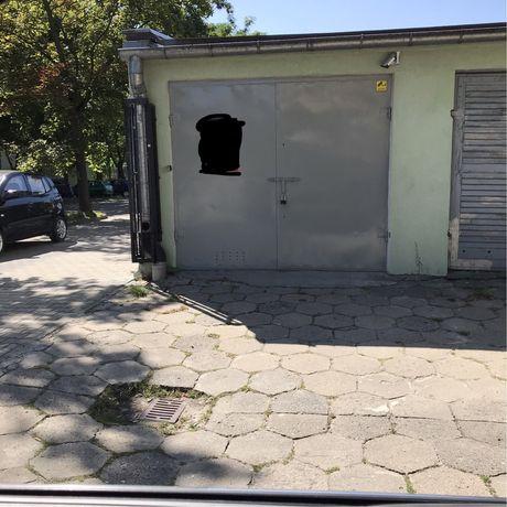 Garaż murowany ul. Grota-Roweckiego
