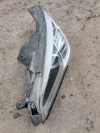 Фара Hyundai Sonata 2015