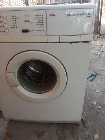 продам по запчастям стиральную машину AEG