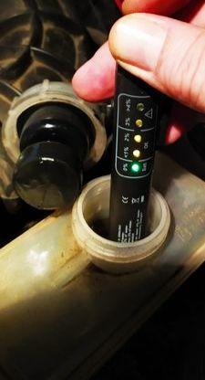Тестер индикатор качества тормозной жидкости на влагу уровень воды